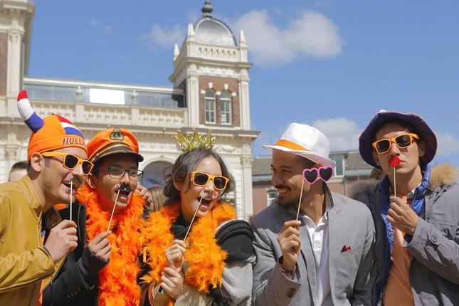 645x430-negeri-van-oranje-cinta-dalam-balutan-persahabatan-1512197-rev1